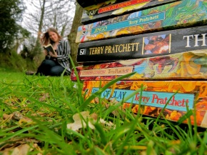 The Reluctant Terry Pratchett Fan: Reading Challenge